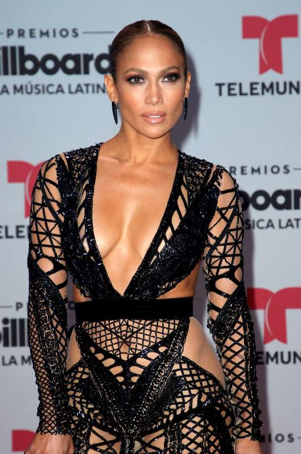 Фото Дженифер Лопес на вручении премий Billboard Latin Music Awards