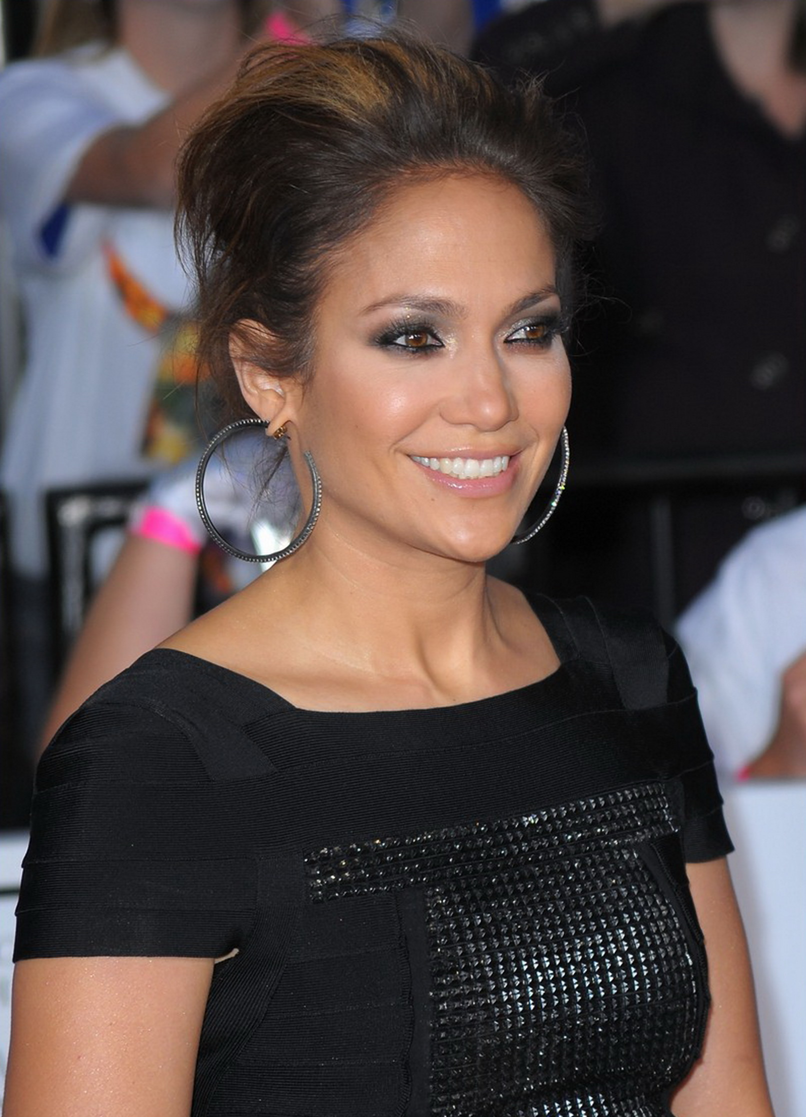 http://jennifer-lopezz.narod.ru/images/news/jennifer-lopez-this-is-it_11_11_2009_5.jpg